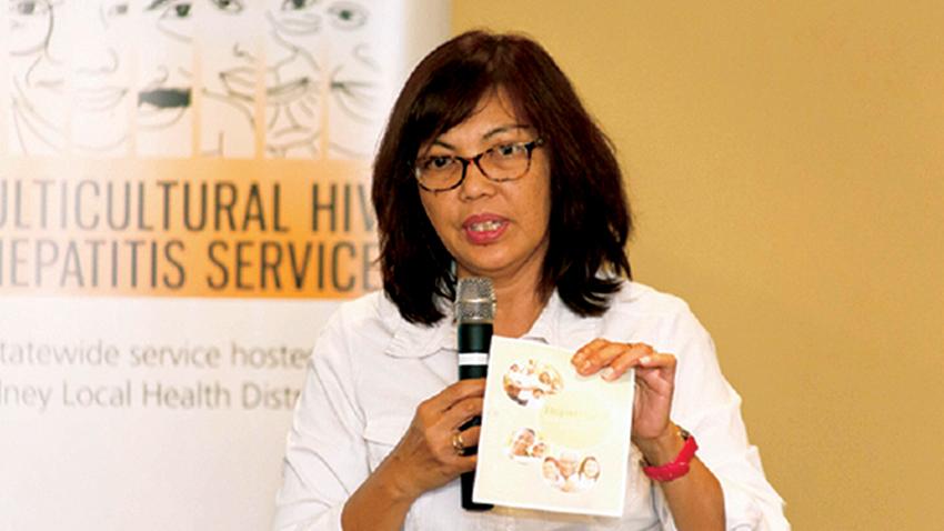 Gustinia Dauner dari Komite Kesehatan Indonesia (Indonesian Health Committee) berbagi pengalamannya dalam forum